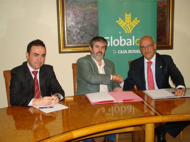 20131111 GlobalcajacolaborarcionFenavin
